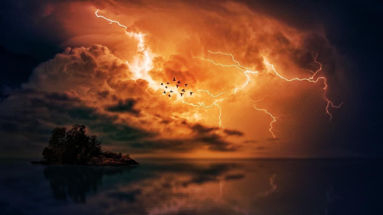 Alert RCB – silne burze z gradem na Pomorzu Zachodnim