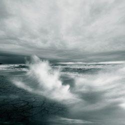 Pierwszy w tym sezonie silny sztorm na Bałtyku. Powieje mocno,  ale na szczęście nie za długo