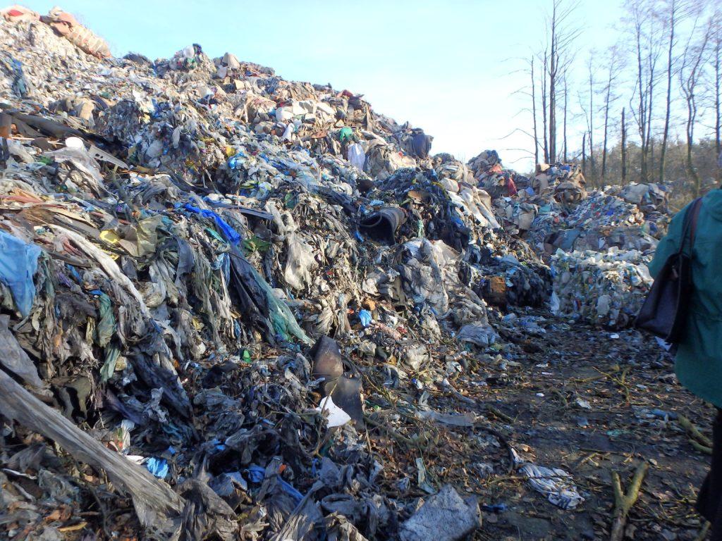 Interwencja IOŚ w sprawie porzuconych w Gdańsku odpadów niebezpiecznych