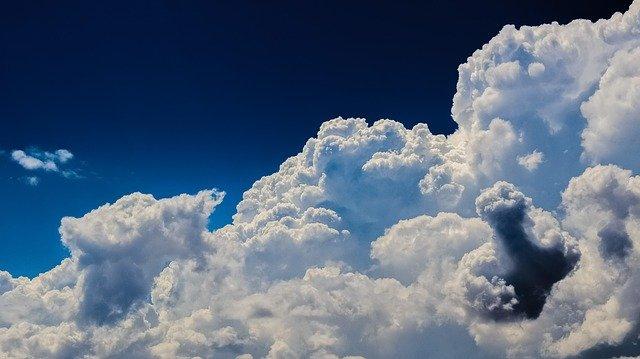 You are currently viewing Jak powstają chmury?