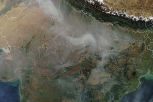 Sezon pożarów upraw w północno-zachodnich Indiach
