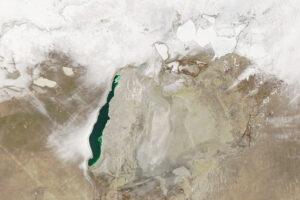 Morze Aralskie zimą