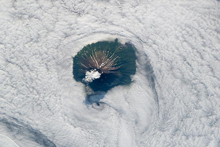 Skarpety w Stratovolcano