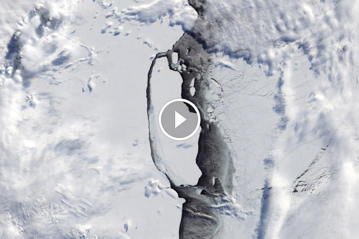 You are currently viewing Śledzenie epickiej podróży góry lodowej na Antarktydzie