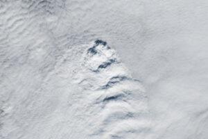 Ciekawy przypadek chmur na Islandii