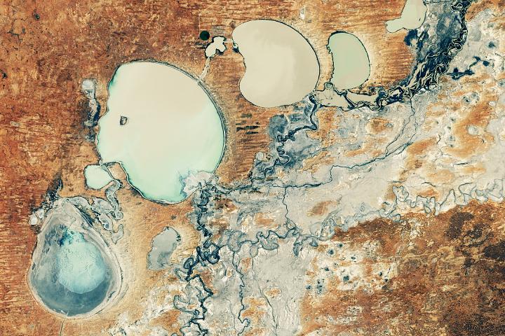 Jeziora Menindee wreszcie się napełniają