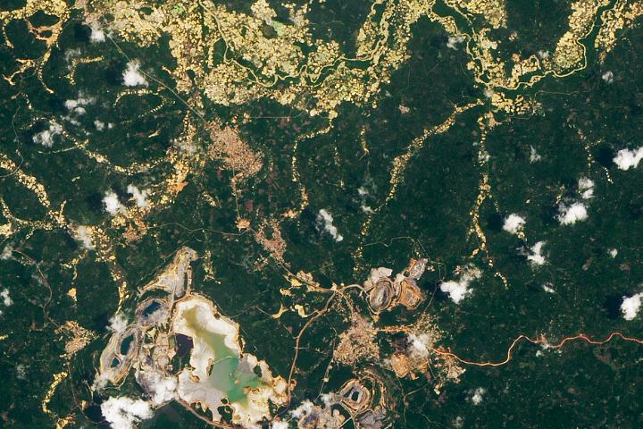 Duży ślad górnictwa na małą skalę w Ghanie