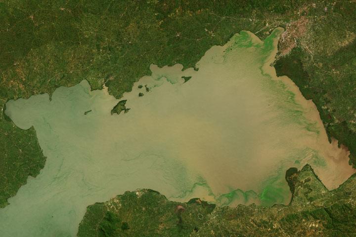 Wznoszące się wody Jeziora Wiktorii