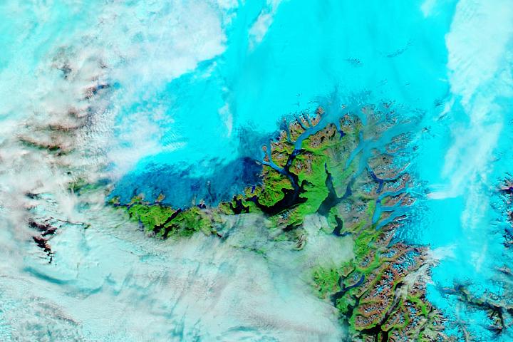 You are currently viewing Deszcz i ciepło powodują dalsze topnienie na Grenlandii