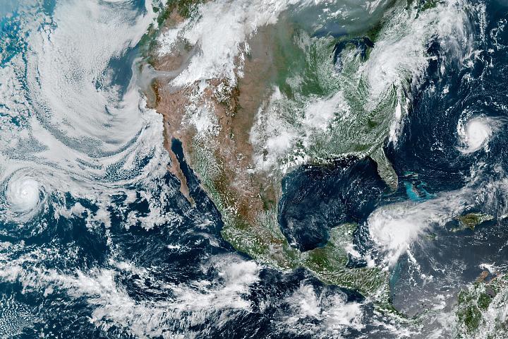 You are currently viewing Burze krążą wokół Ameryki Północnej