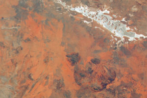 Read more about the article Widok z lotu ptaka na czerwone centrum Australii