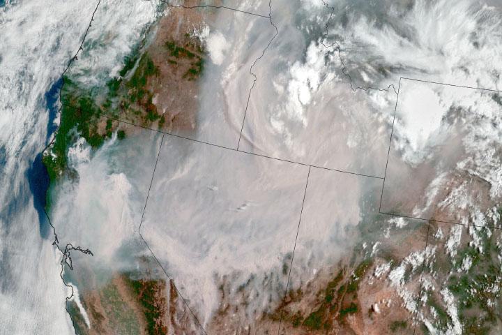 You are currently viewing Pożar Dixie w Kalifornii wciąż rośnie