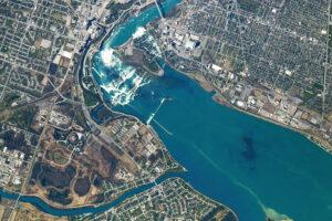Read more about the article Niagara: Poruszający się i spadający cel