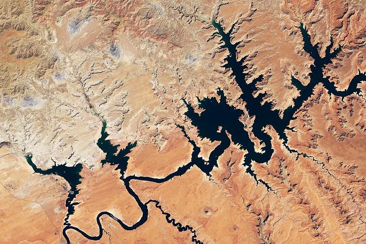 You are currently viewing Lake Powell osiąga nowy niski poziom