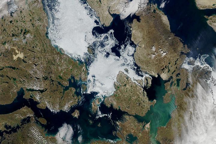 You are currently viewing Lód utrzymuje się w przejściu północno-zachodnim